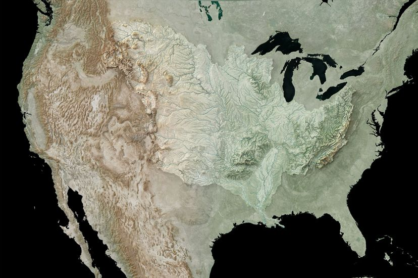Topographic map of the U.S. emphasizing the Mississippi River Basin.