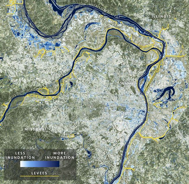 A map of the Mississippi River near St. Louis shows areas that have been inundated in blue.