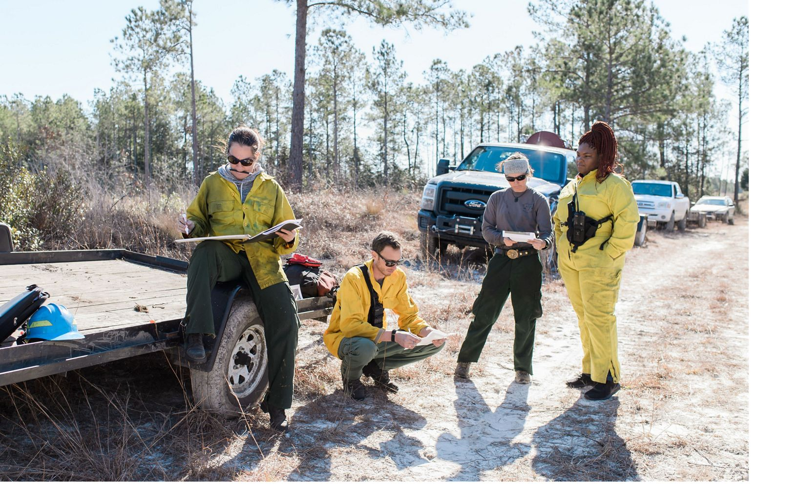 Burn Boss Angie Carl leading a pre-burn brief in North Carolina's Green Swamp.