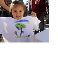Kids make bird t-shirts to connect with nature in Nevada