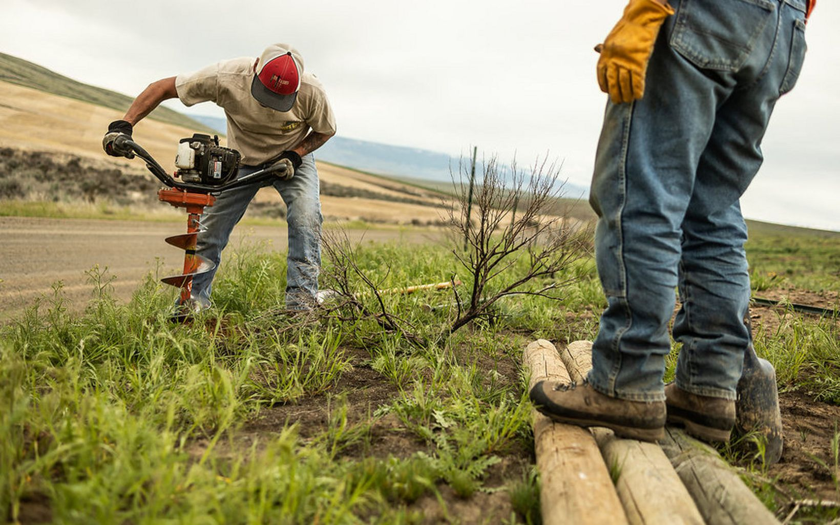 TNC's Eastern Washington Stewardship Coordinator to replace fence posts burned in 2017 at our Beezley Hills Preserve.