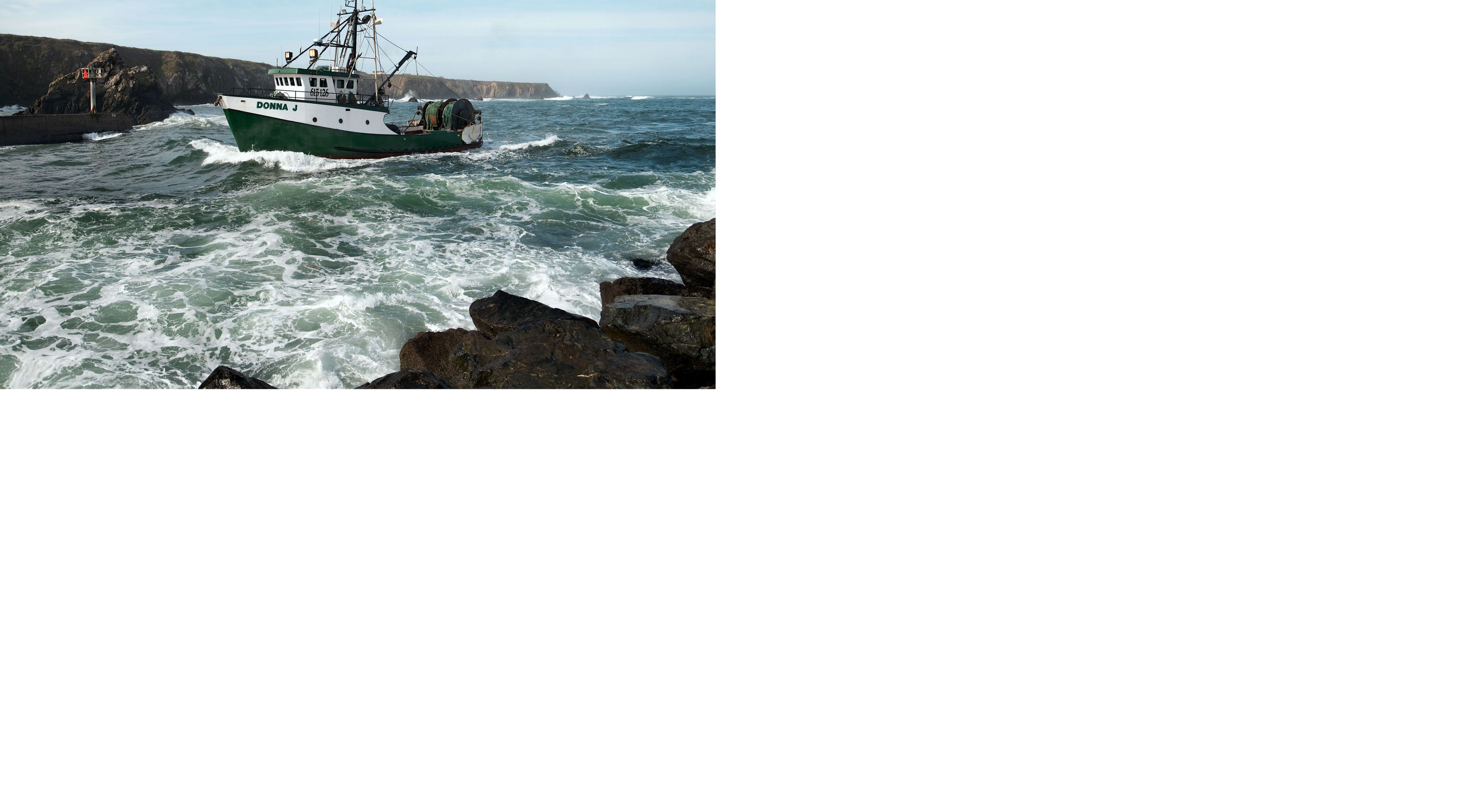 California Groundfish Collective member Captain Charlie Price returns the Donna J to Noyo Harbor in Fort Bragg.