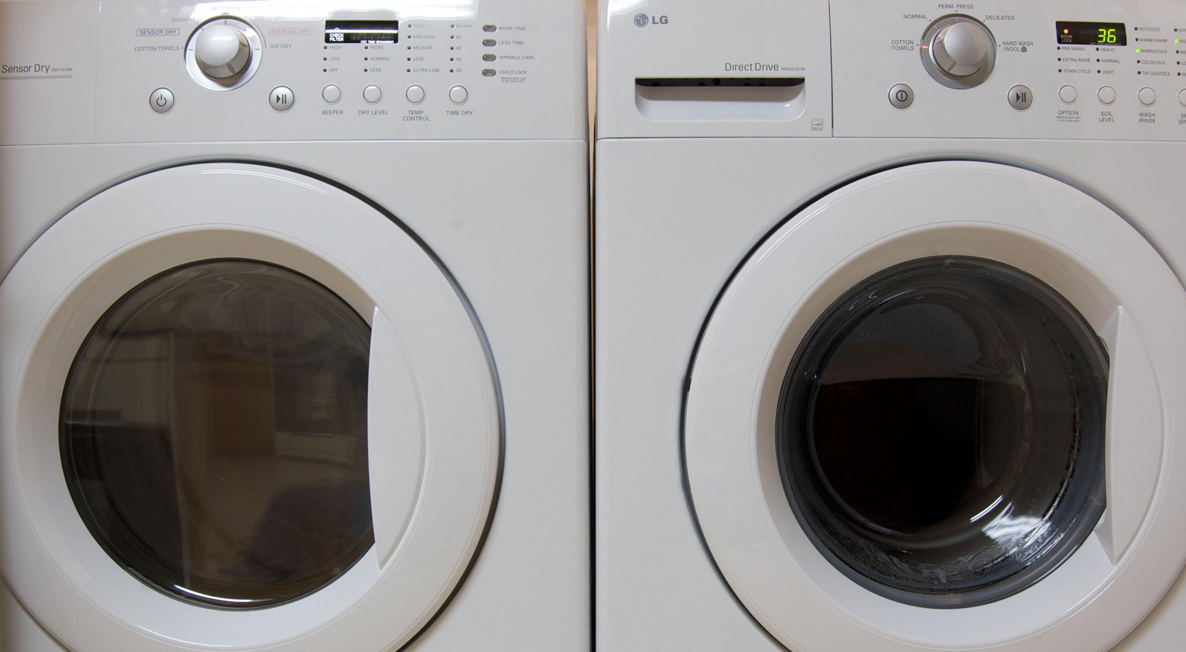 A study quantifying the amount of synthetic microfibers released into the environment from washing machines and wastewater in California.