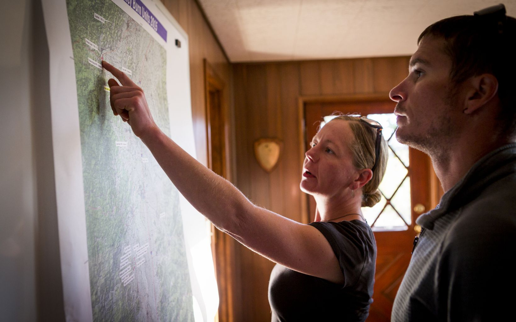 (ALL INTERNAL RIGHTS, LIMITED EXTERNAL RIGHTS) September 2015. Oregon Fire Manager Amanda Stamper and Module Leader Jeff Crandall planning a controlled burn on William L. Finley National Wildlife Reserve in Oregon. In October 2015, The Nature Conservancy's Southern Rockies Wildland Fire Module traveled to the Willamette Valley in Oregon for three weeks to help the Oregon chaper and other local stakeholders including US Fish & Wildlife, US Forest Service, and BLM with prescribed burns of the grassland prairies and oak savannas. Burns ranged from