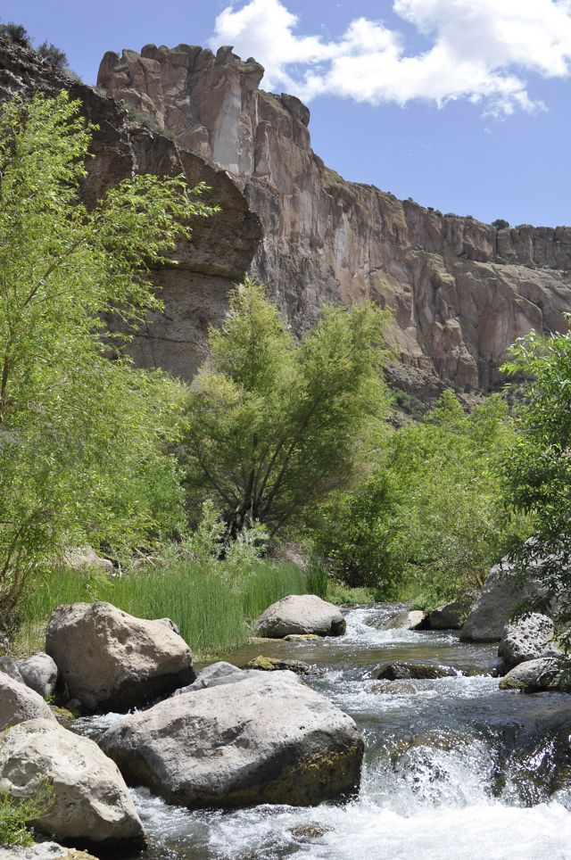 Rocky cliffs run along Aravaipa Creek.