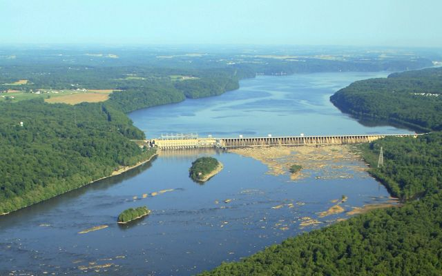 Upstream view of the Conowingo Dam on the Susquehanna River.