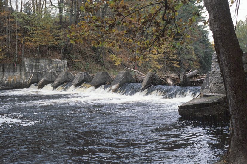 Photo of the dam prior to its 2004 demolition on the Neversink River at Cuddebackville, New York.