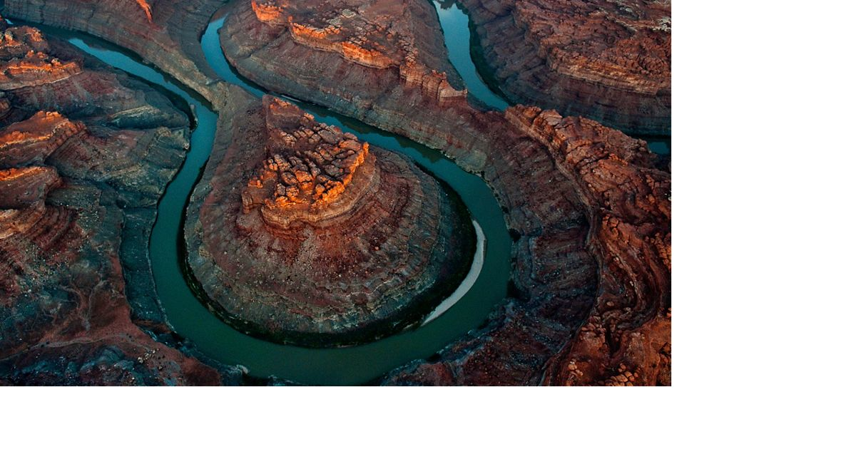 A loop of the Colorado River from the air