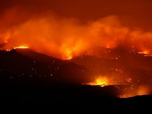 Nighttime photo of a wildfire in Las Conchas, New Mexico.