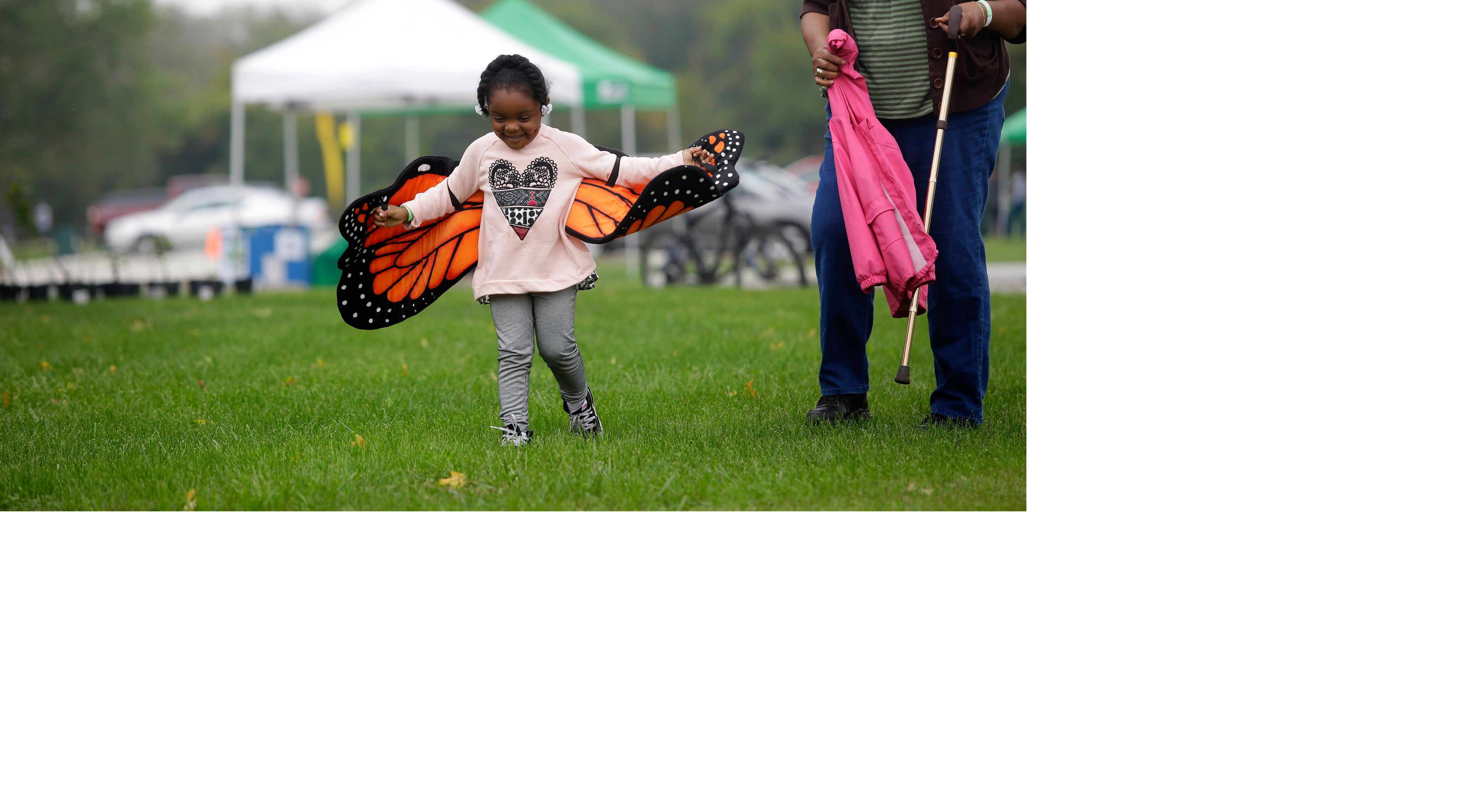 Families participated in the Awe of Nature event at Midlothian Meadows.