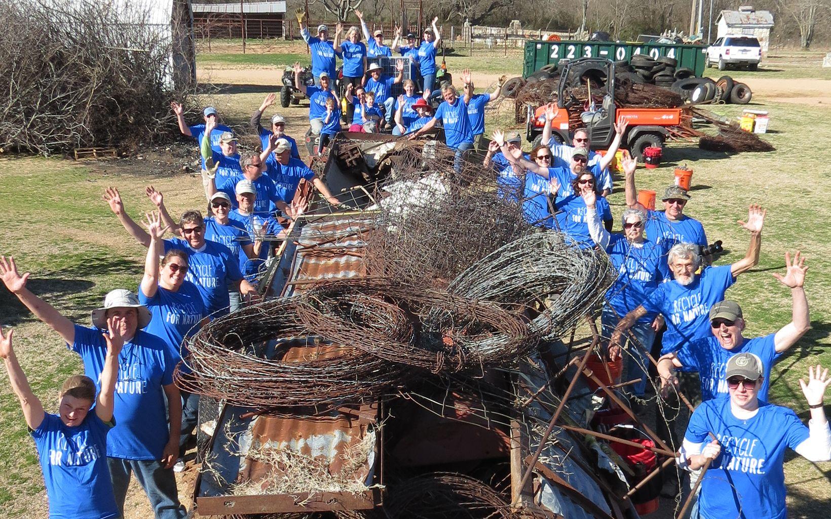Volunteers at Blue River 640