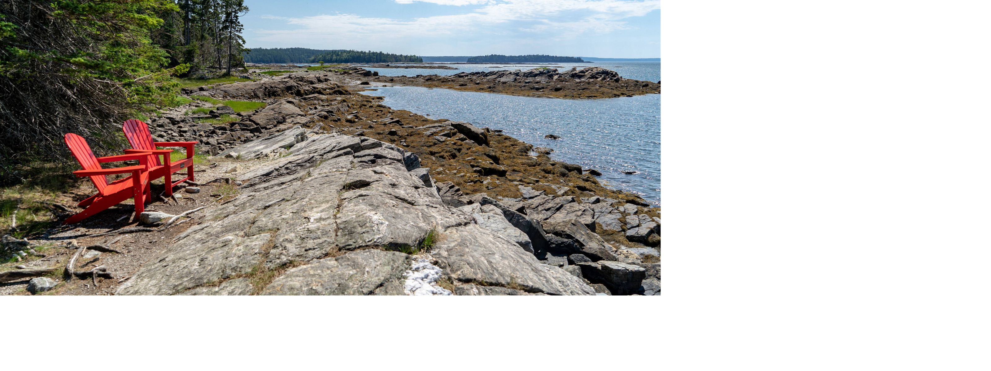 View along the rocky shoreline on the Maine coast