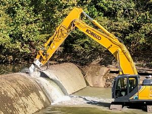 Removing a low head dam in Big Indian Creek in southern Indiana