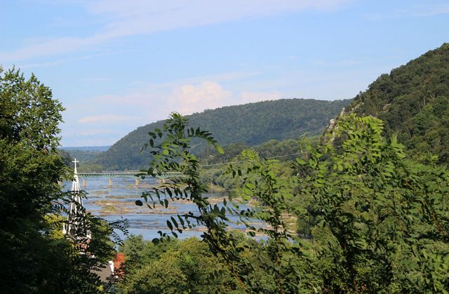 View from Jefferson Rock of the confluence of the Potomac and Shenandoah rivers and down the Potomac toward Short Hill, Harpers Ferry NHP.
