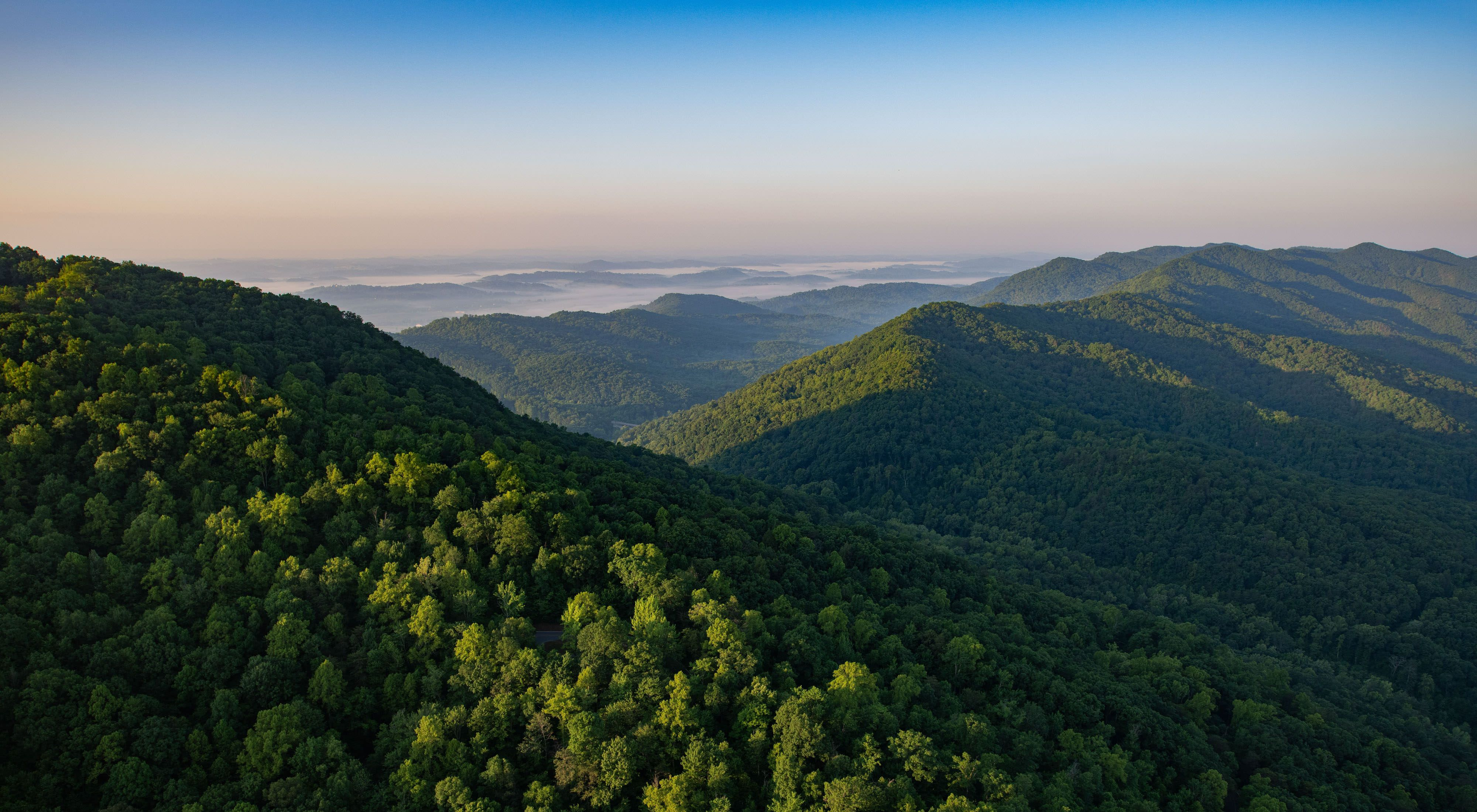 Photo of a sweeping view of mountains at Cumberland Gap.