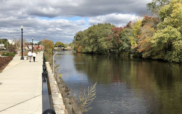 The Weir Village Waterfront Park on the Taunton River, downstream from the Mill River's confluence with it, includes a 1,000-foot-long waterfront walkway.