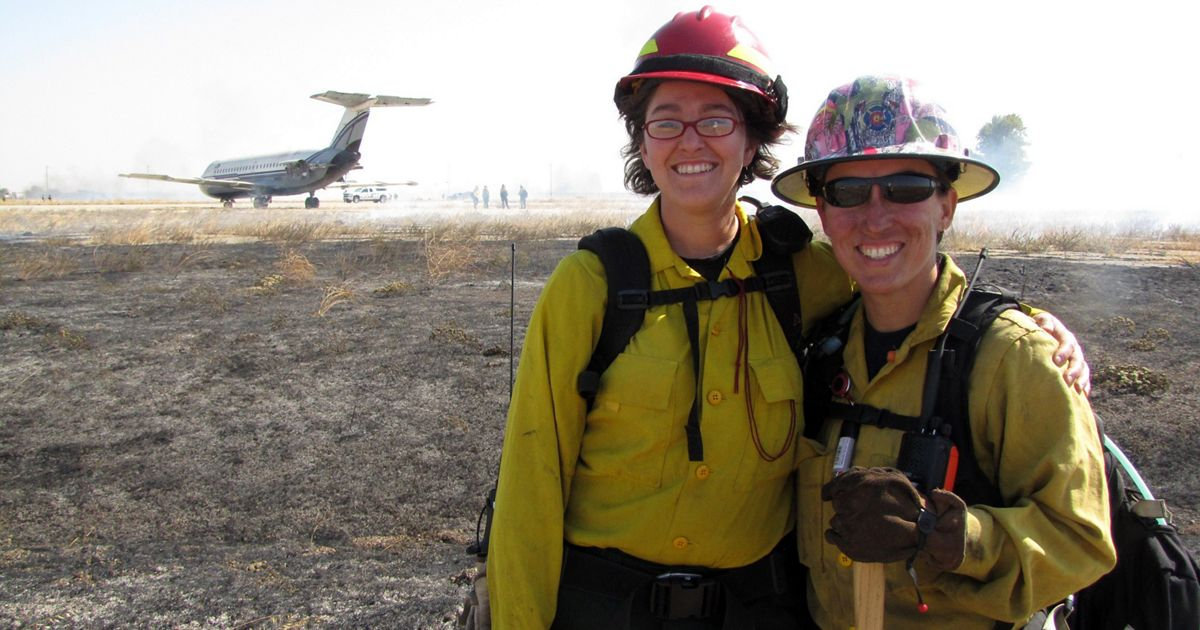 Nikole Simmons (l) with Monique Hein at WTREX in California.