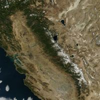 A satellite view of California and the Sierra Nevadas in 2014 during its multiyear drought.