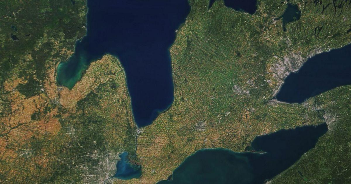 Aerial photo shows an algal bloom in the Great Lakes.