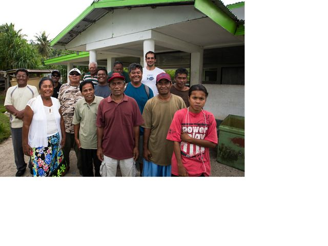 Community members in Oneisomw, Chuuk.
