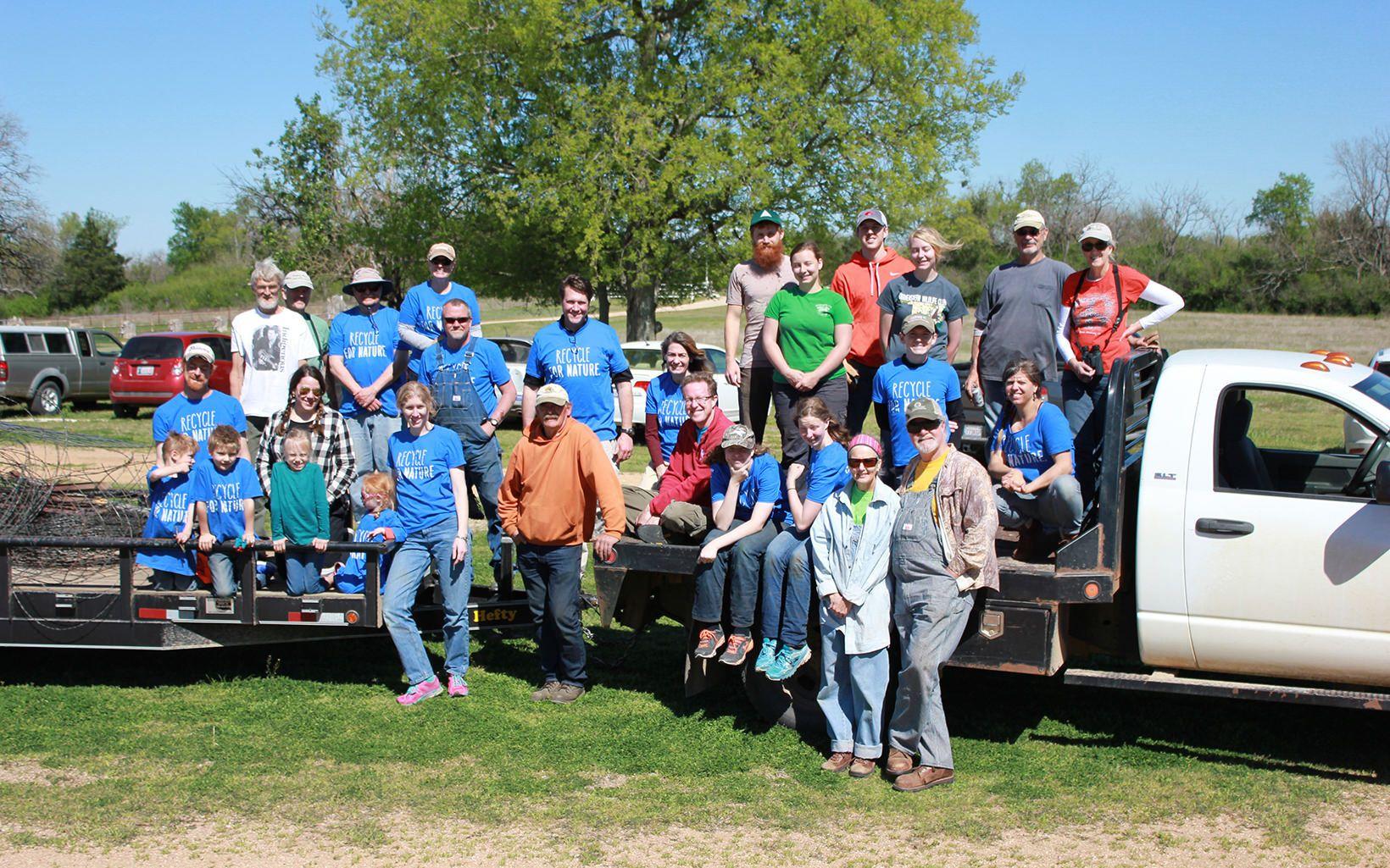 Volunteers at April 2 Blue River clean up