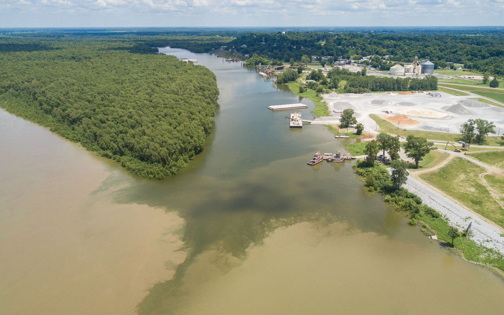 Confluence of Mississippi and Tennessee rivers