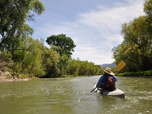 Kayaking the Verde River near Camp Verde, Arizona. Flow has increased in this 20-mile stretch due to Conservancy partnerships with irrigators.