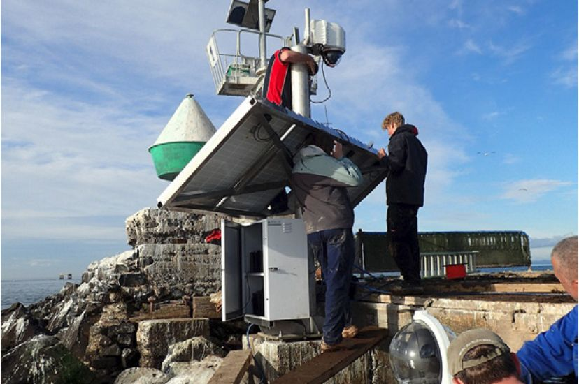 Above-water Reef Cam Installation