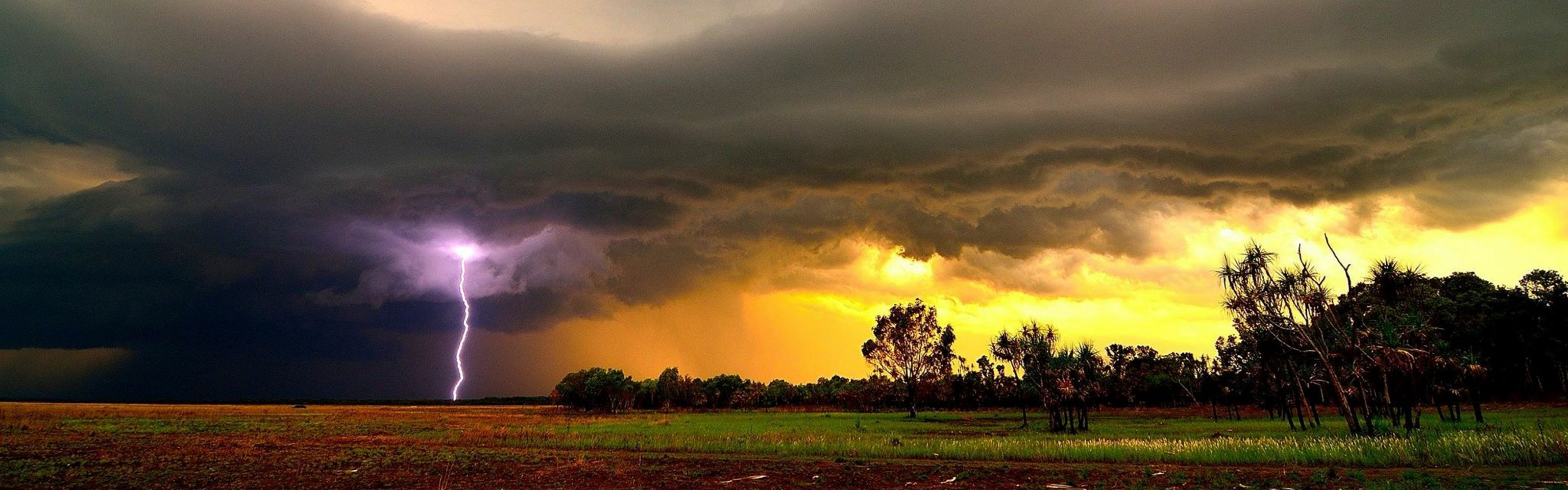 strikes over a field in Northern Territory, Australia.