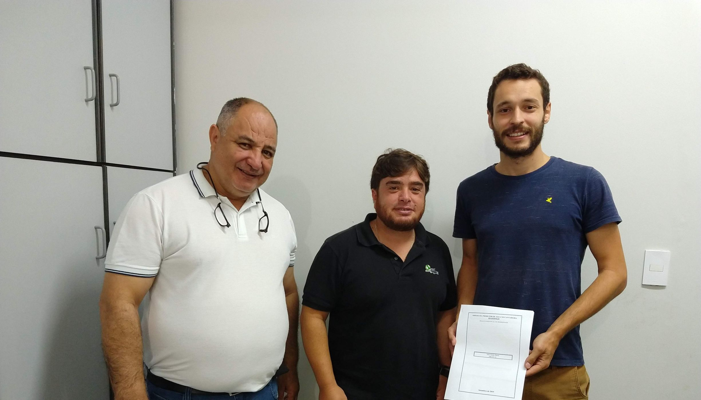 Henrique Bracale, da TNC, na reunião de entrega dos Projetos Individuais de Propriedades de Joanópolis-SP.