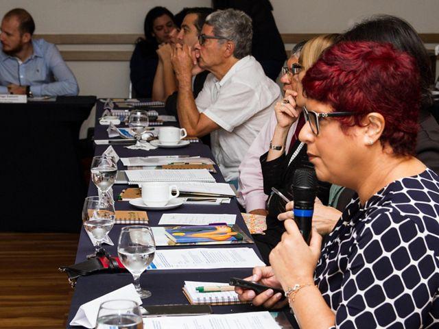Karen Oliveira, Gerente de Políticas Públicas da TNC Brasil, palestrando no evento Diálogos Tapajós, em Belém, em 2018.