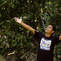 Deniziu Ara jo Ticuna, do povo indígena Tikuna e graduado do Centro de Formação Indígena da Amazônia no Mind Park, INPA, Manaus, Amazonas.