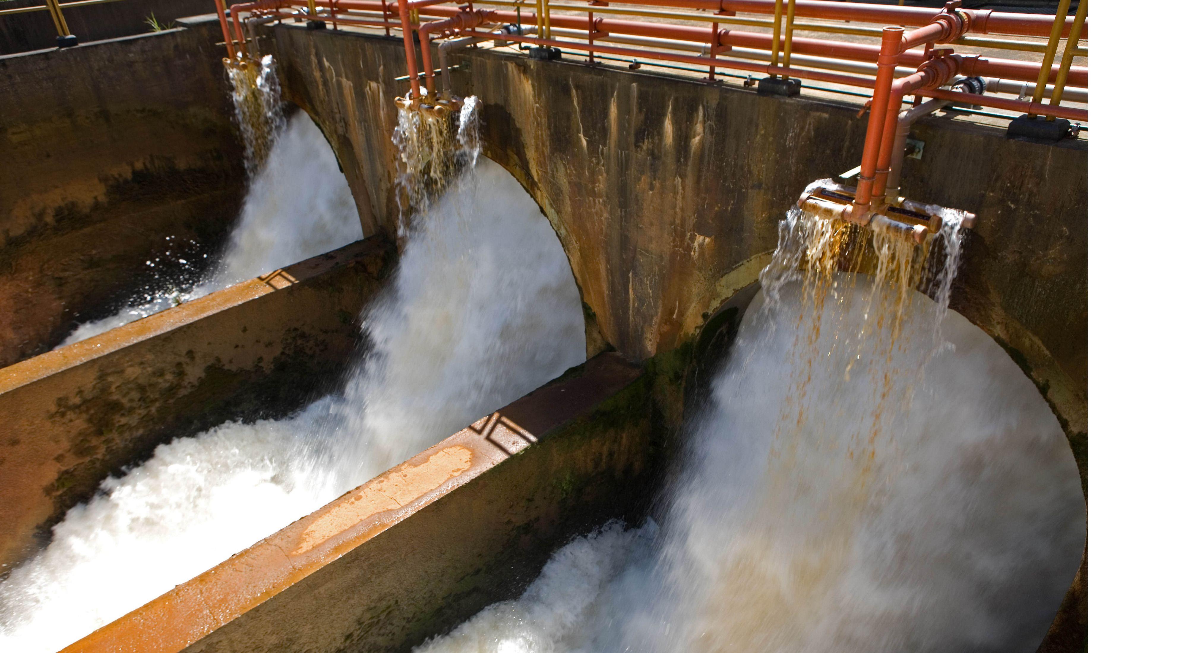 Barragem de um sistema de abastecimento de água.