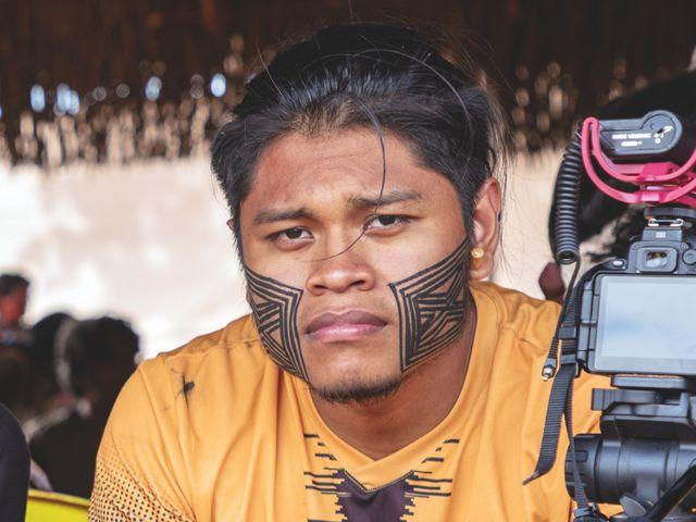 Cristian Wariu, youtuber que produz conteúdo focado em combater o preconceito e mostrar a diversidade dos povos indígenas