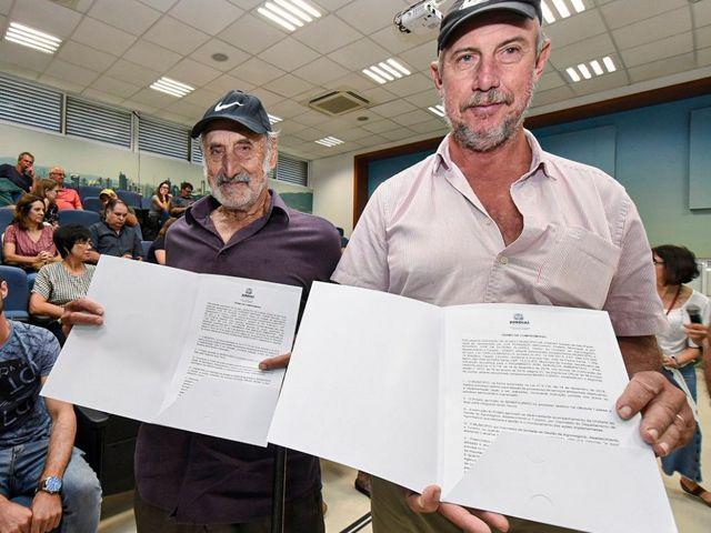 Carlos Marzullo compareceu com seu tio, o também agricultor Francisco Marzullo, de 84 anos.