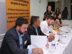 Julia Mangueira, Coordenadora regional da TNC no Mato Grosso, fala durante evento de assinatura do PCI de Barra do Garças-MT.