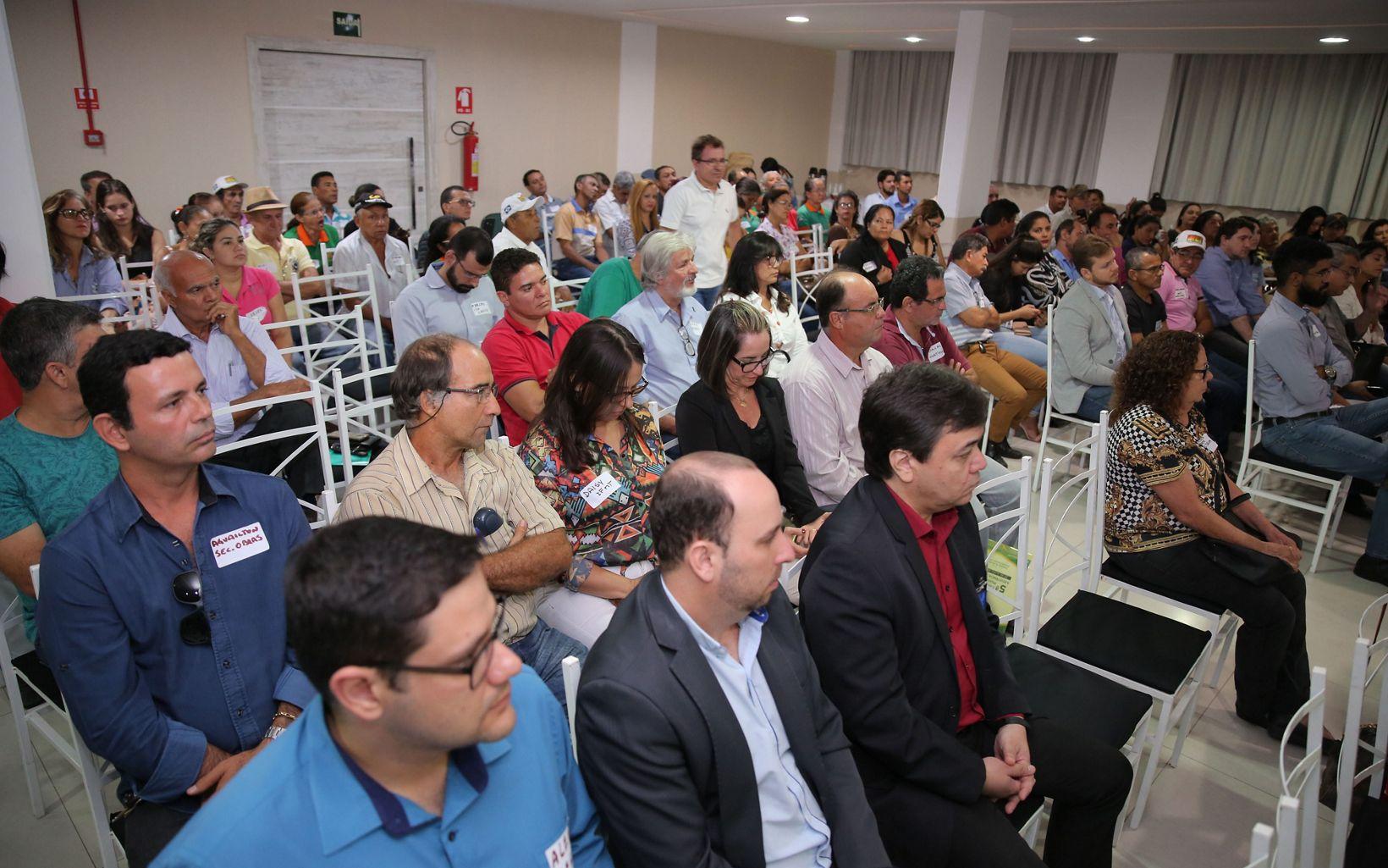 O evento contou com a presença de representantes da sociedade civil e organizações que apoiaram a implementação das ações.