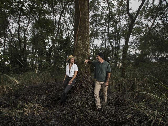 Keila Silva, agrônoma, deixou de trabalhar com integração lavoura-pecuária para se dedicar a restauração florestal com seu parceiro, Patrick Assumpção, produtor rural.