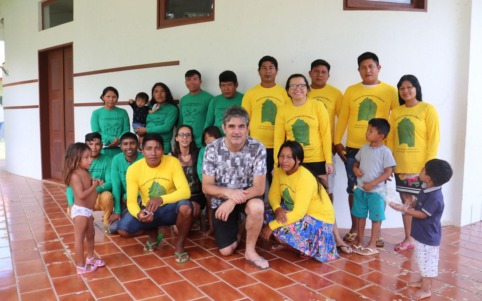 Eduardo Barnes e Luciana Lima, da TNC Brasil, junto com os os representantes dos povos indígenas Parakanã e Xikrin na SEMEX 2019, em Altamira-PA.