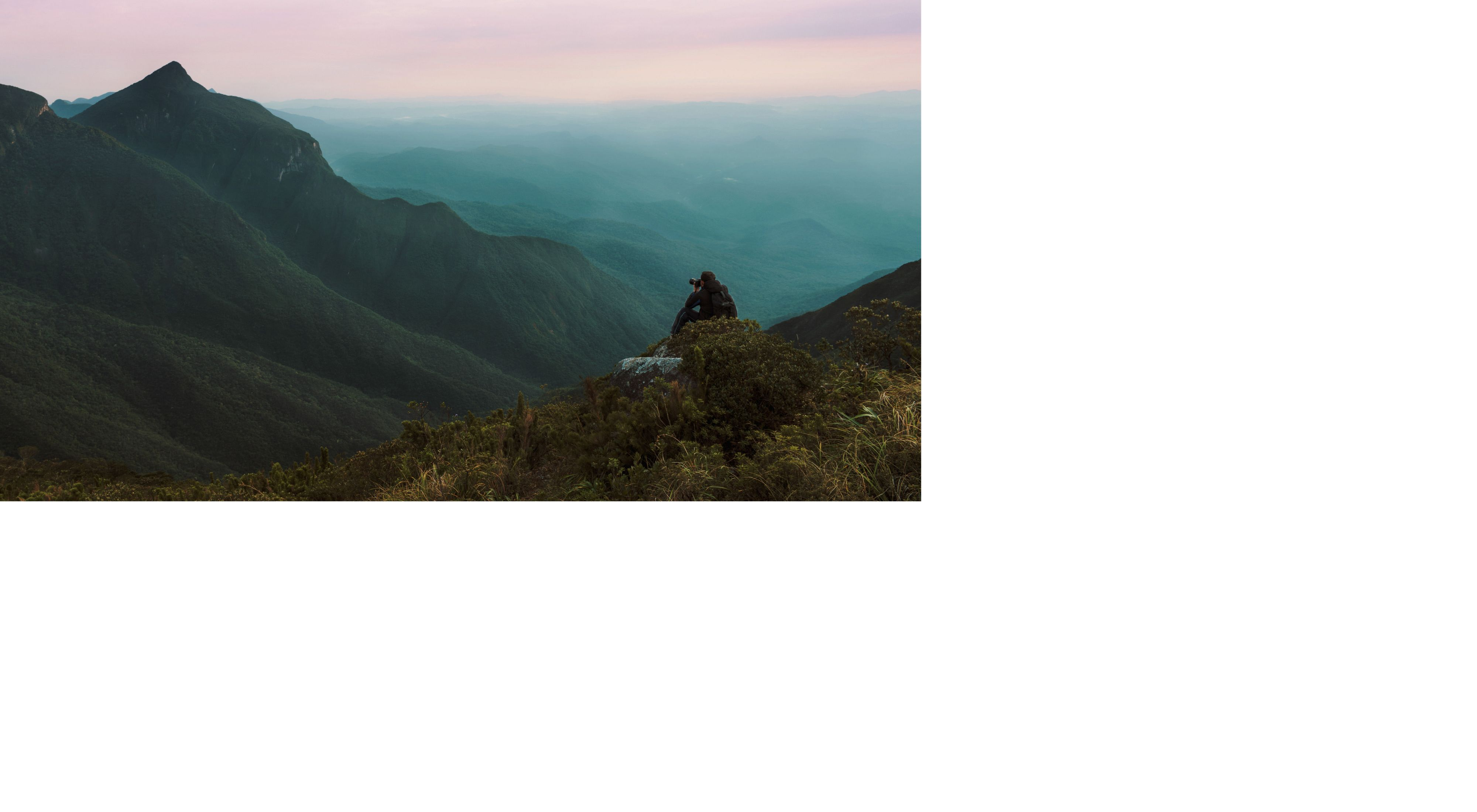 Fotógrafo no Pico do Paraná, a montanha mais alta do Sul do Brasil, com 1.877m.