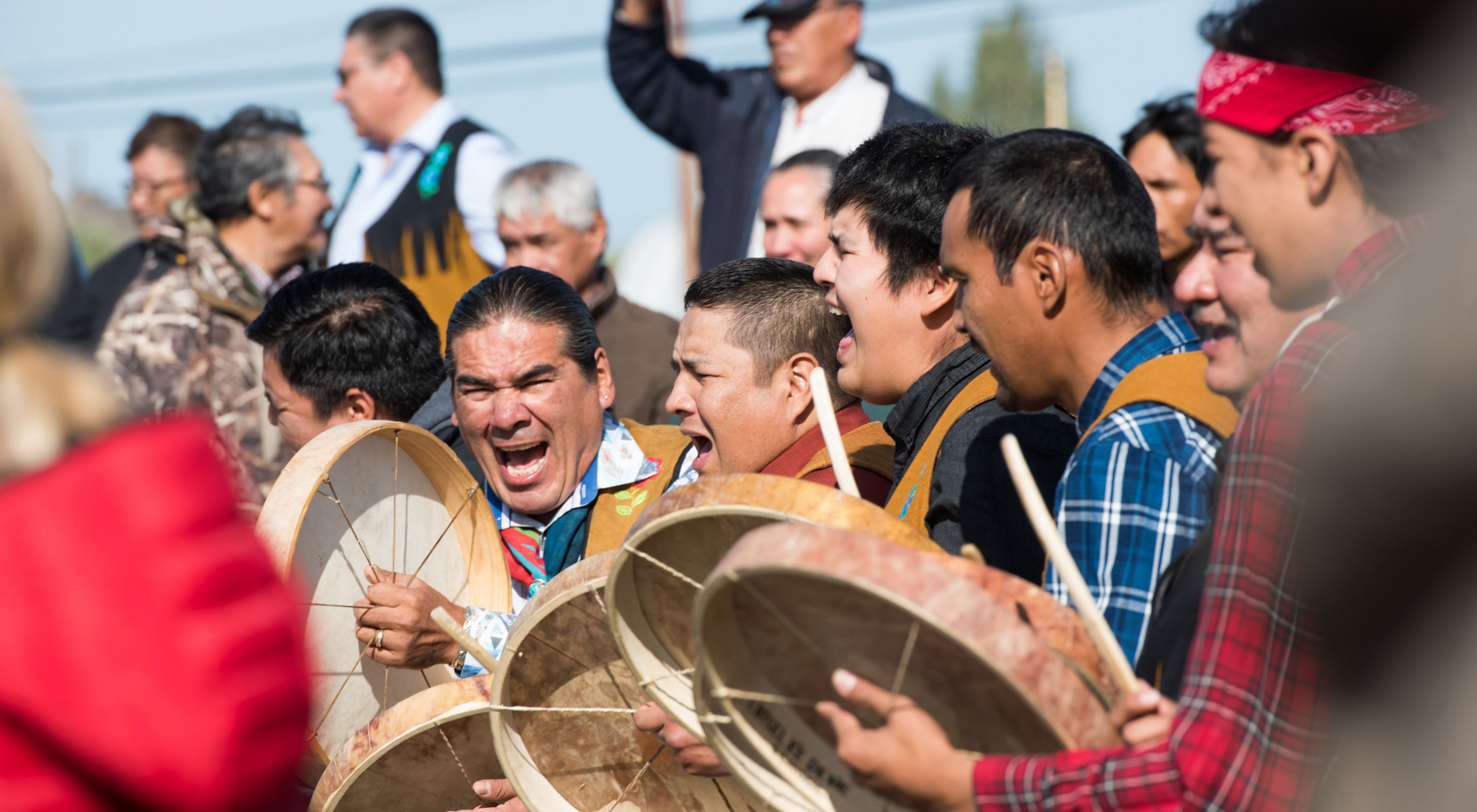 On August 21, Łutsël K'é Dene First Nation signed Establishment Agreements with Parks Canada and the Government of the Northwest Territories that mark a historic milestone for Thaidene Nëné. A fire ceremony and drum circle took place after the agreements were signed.