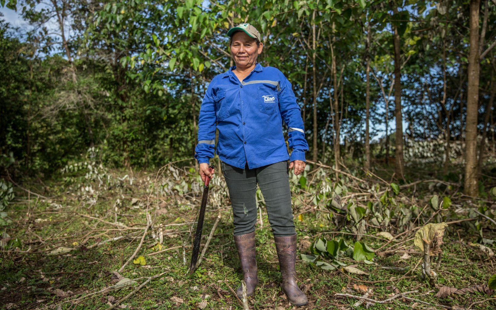 Manejar mejor los suelos evita la deforestación y trae diversidad de recursos adicionales a familias de escasos recursos, como la de Mercedes
