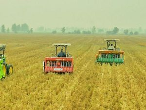 Happy Seeder in use in Northwest India