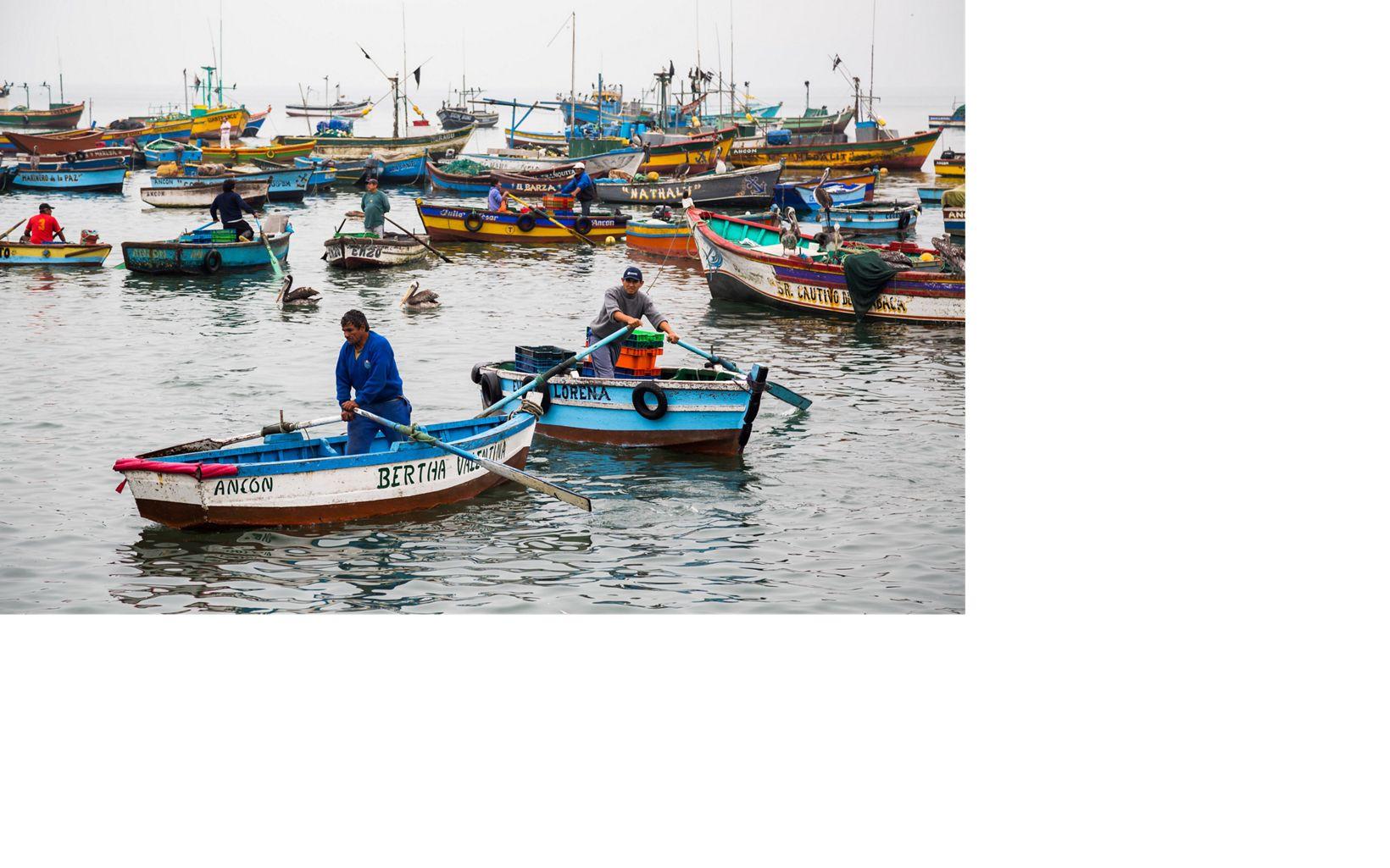 Pescadores en Perú