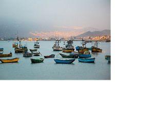 Ancón es un pequeño pueblo pesquero y un destino de vacaciones junto al mar a una hora al norte de Lima.