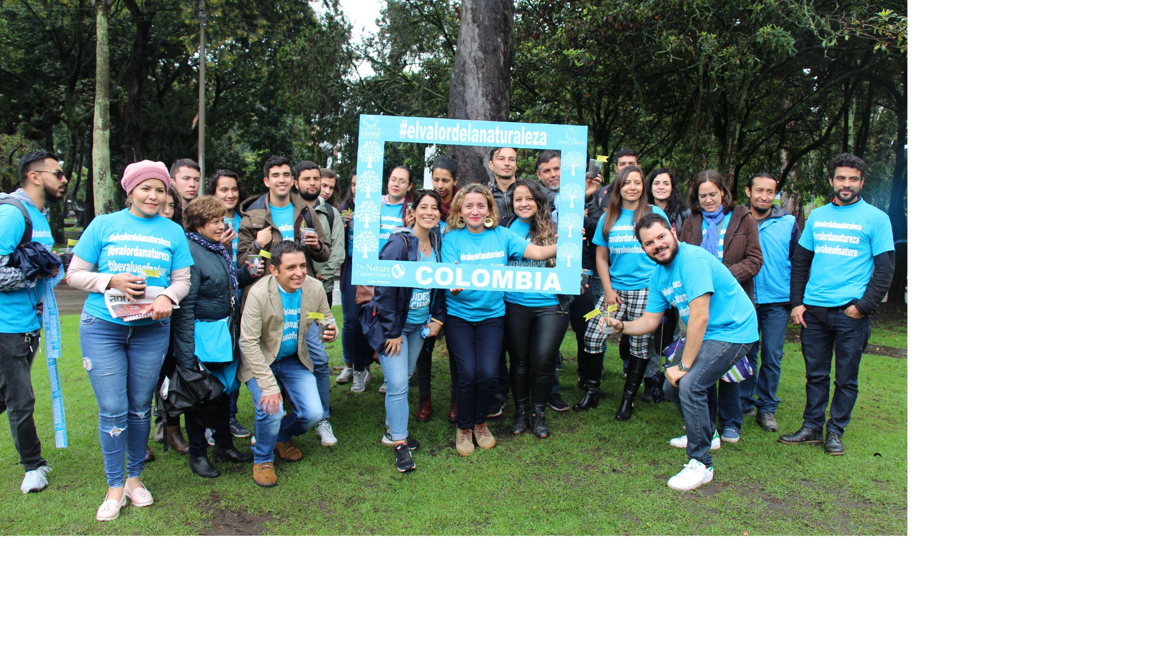en acción en Bogotá durante la campaña #TheValueOfNature en junio 2019.