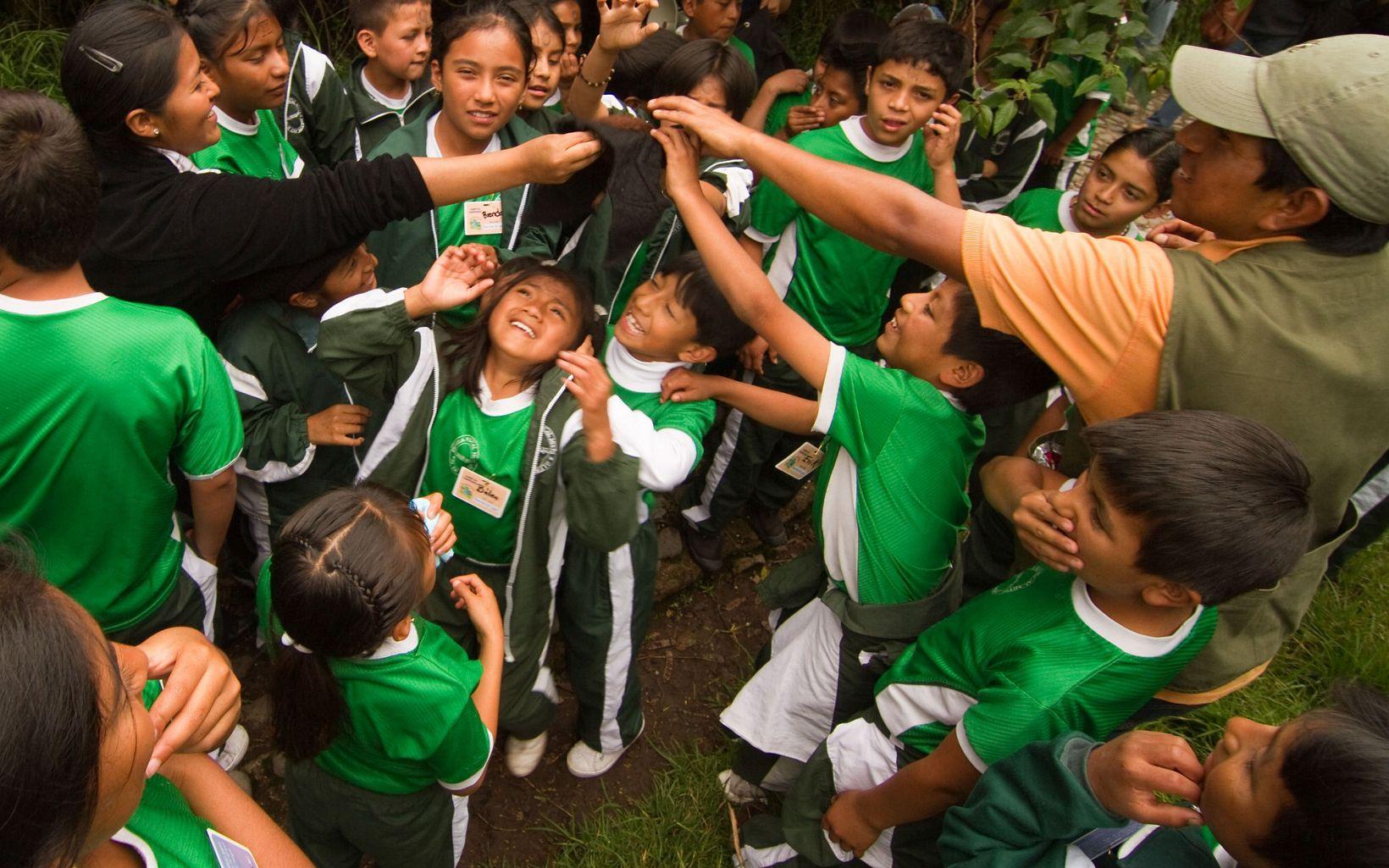 Actividades de educación ambiental en el Parque Ecológico Cachaco in Amaguaña, Pichincha Province, liderado por FONAG