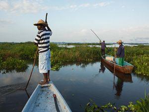Pescadores en el río Magdalena
