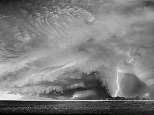 """""""Tormenta de verano..."""" Tormenta de verano. Febrero 2018 - Maisonnave - La Pampa. Saber entender los hechos naturales... nos permite comprender su magnitud... y sobre todo """"Respetarla""""..."""