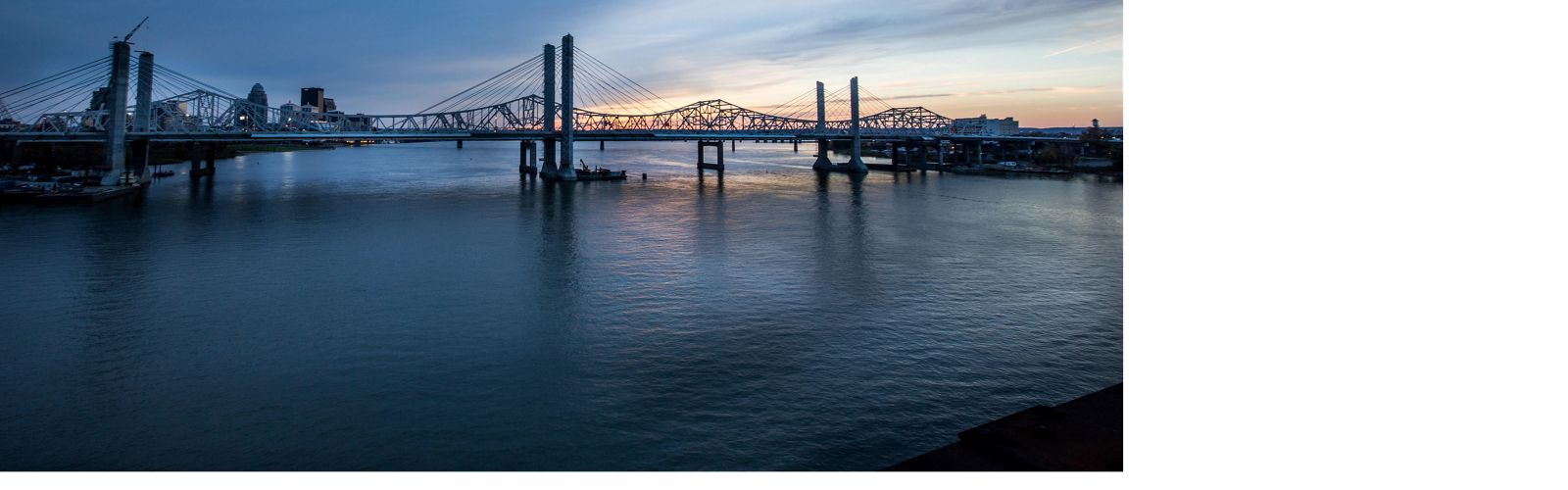 View of the Second Street Bridge (George Rogers Clark Memorial Bridge) over the Ohio River in Louisville, Kentucky.